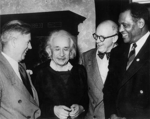 Einstein in a rare photo with (l to r) Henry A. Wallace, radio commentator Frank Kingdon, and Paul Robeson.